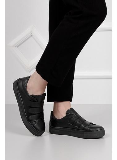 Sneaker-G.Ö.N.